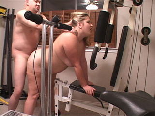 Blonde plump mom fucked variously at the exerciser - Picture 1