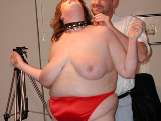 Huge mom in red panties and stockings sucks black meat - Picture 3