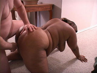Black mama assfucked in doggy style - Picture 3