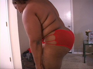 Black fatso in red panties sucking dick - Picture 3