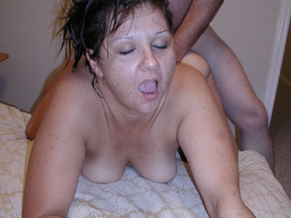 Chubby brunette with wet hair assdrilled - Picture 3