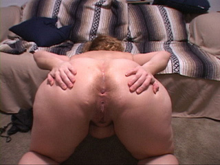 Plump mom showing off her asshole after hard banging - Picture 3