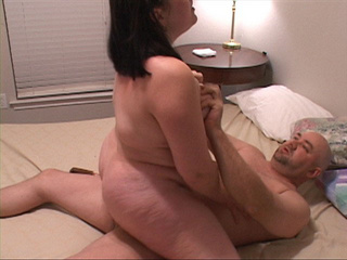 Modest chubby housewife sucking boner - Picture 4