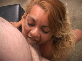 Swarthy plump latina mom swallows man's meat - Picture 4
