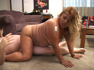 Fat ass latina mom takes a boner into her pooper I doggy - Picture 3
