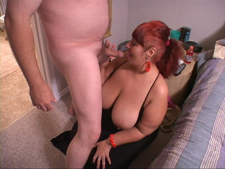 Huge titted red mom with ponytail face drilled - Picture 4