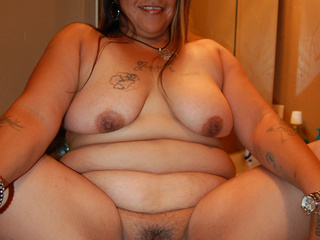Chubby latina housewife showing off her stretched pussy - Picture 1