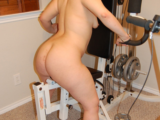 Chubby latina housewife showing off her stretched pussy - Picture 4