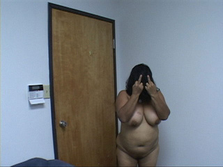 Swarthy plump latina mom gets nude - Picture 4