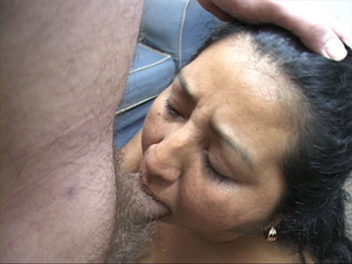 Ponytailed mature latina head fucked - Picture 4