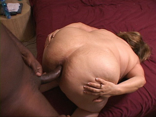Bald black dude rimming eagerly fat ass housewife - Picture 2