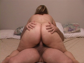 Fair-haired plump housewife takes a boner into her mouth - Picture 3