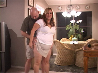 Fair-haired plump housewife takes a boner into her mouth - Picture 4
