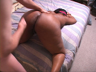 Fat ass black mom enjoys assdrilling from behind - Picture 1