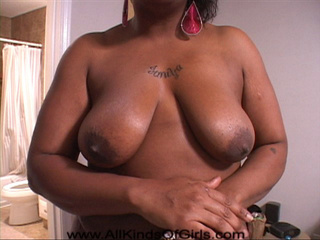 Big titted black mama head fucked before anal sex - Picture 3