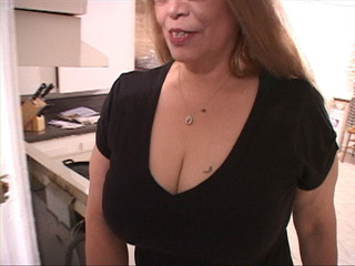 Chubby bitch in glasses swallows man's meat - Picture 2