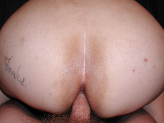 Chubby brunette swallowing black dick - Picture 1