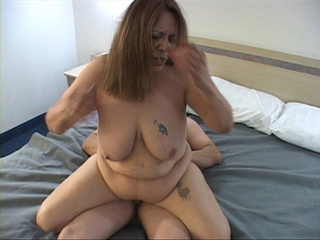 Tattooed latina mom with big bottom - Picture 4