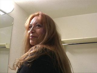 Long-haired latina granny in sexy body - Picture 4