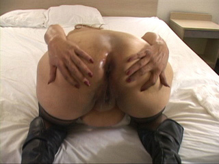 Plump latina granny in high boots riding a stiff rod - Picture 4