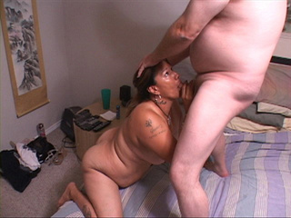 Tattooed latina housewife with fat bottom sucks dick - Picture 4