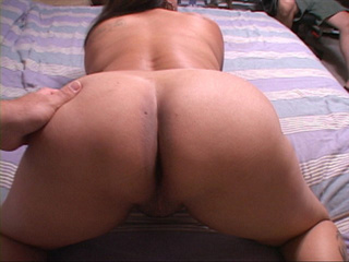 Tattooed latina mature shows off her fat ass - Picture 3
