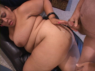 Huge-titted Mexican housewife takes boner into her - Picture 4