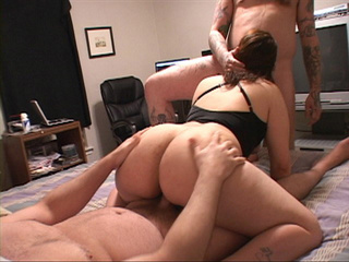 Big ass housewife plugged both ends - Picture 1