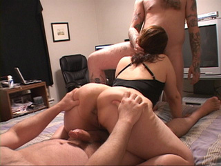 Big ass housewife plugged both ends - Picture 4