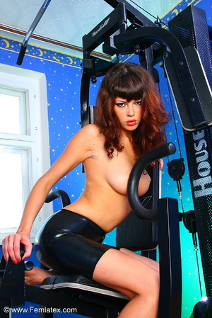 Brunette with dream body posing and stri - XXX Dessert - Picture 5