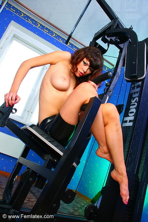 Brunette with dream body posing and stri - XXX Dessert - Picture 6