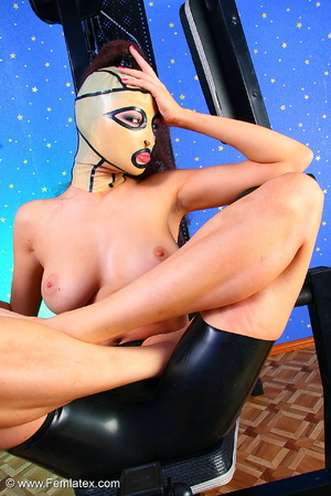 Brunette with dream body posing and stri - XXX Dessert - Picture 12