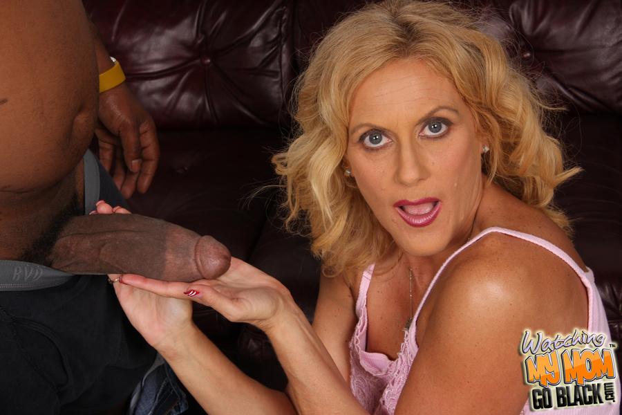 Erotic female hypnotists