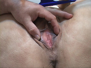 Tied-up mature's holes get fucked with dildo - Picture 2