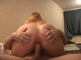 Gold hair babe doubles with pleasure as she raises legs - Picture 3