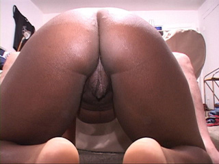 Very horny pregnant black chick sucks dick and bends - Picture 3