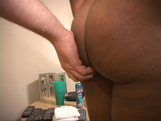 Horny black momma moans as she receives hard cock - Picture 1