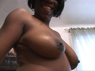 Hot ebony takes nude shots of her inviting pussy and ass - Picture 4