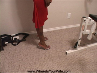 Black mama in red shows her seductiveness as she gets - Picture 2