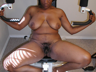 Sexy mommas  go nude to show off their hot and seductive - Picture 4