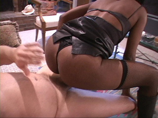 Black mama in hot black dress and fish net pantyhose - Picture 4
