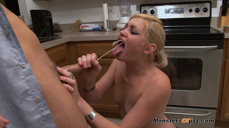 kitchen blow job