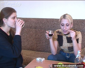When the drink is enough these two young cute teens posing and playing hot lesbian game - XXXonXXX - Pic 6