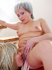 Lesbian mom wakes up sleeping daughter and gives - XXXonXXX - Pic 18