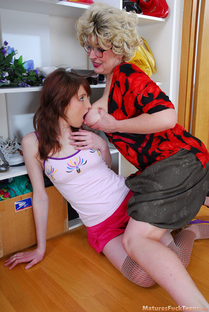Lesbian mommy had a hard day and she wants her sweet teen daughter to make her happy - XXXonXXX - Pic 4