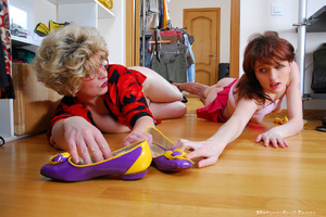 Lesbian mommy had a hard day and she wants her sweet teen daughter to make her happy - XXXonXXX - Pic 20