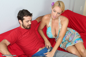 Big boobed MILF gives unforgettable hand job - XXXonXXX - Pic 3