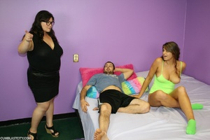 Bossy fat assed babe takes over releasing monster cum blast - Picture 8