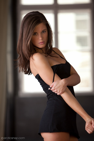 Petite brunette tease with sexy boobs an - XXX Dessert - Picture 3