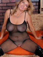 Big boobs mature lady getting - Sexy Women in Lingerie - Picture 7